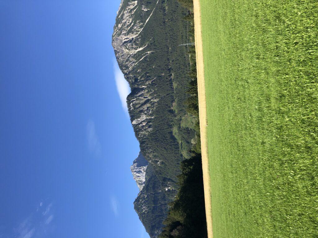 Ein guter Start in die Tour: Eine traumhafte Bergkulisse