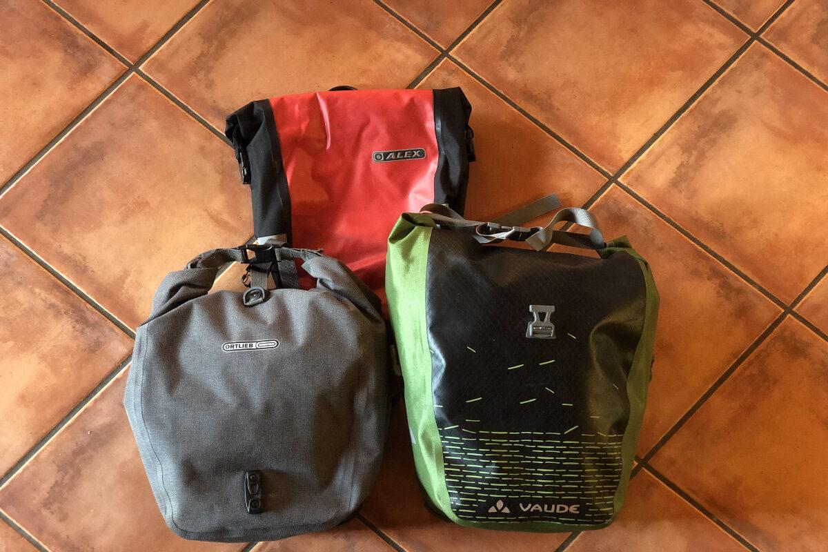 Gepäckträgertaschen - Auch von der Ausrüstung hängt das Gelingen einer Radreise ab